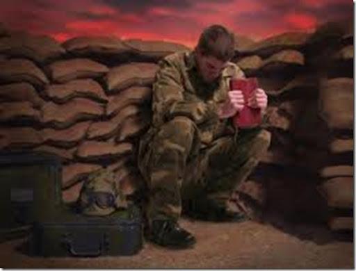 soldado-orando